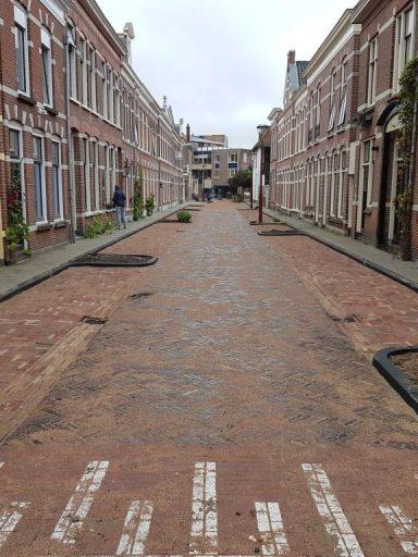 De nieuw aangelegde bestrating in de Toussaintstraat